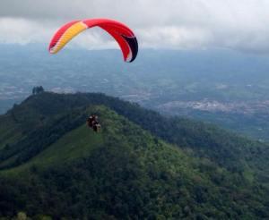 Copyright Alex Badilla/Tandem Paraglide Costa Rica